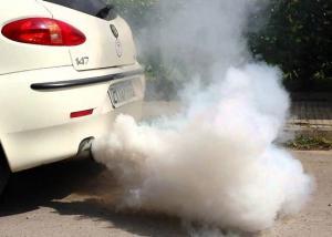 الصين تحظر المركبات كثيفة الانبعاثات لمكافحة الضباب الدخاني