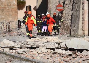 الهزات الأرضية قد تستمر لأسابيع في إيطاليا