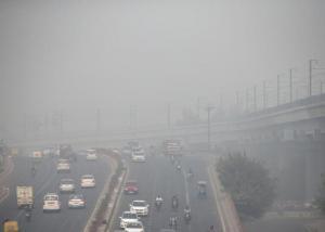 نيودلهي تقبع تحت سحابة من الضباب الدخاني