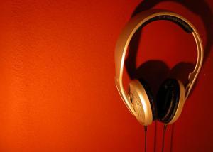 سماعات الرأس لا تؤثر على قدرة السمع